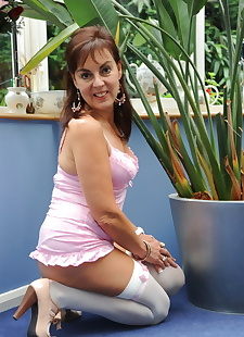sex images Naughty Georgie lifts her sexy mature, brunette , stockings
