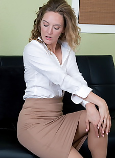 sex images All Over 30 Mona Wales, milf , blonde  All