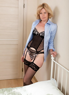 sex images Hot mature woman Diana V grabs her, stockings , blonde