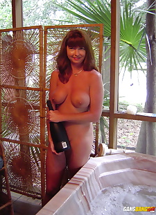 sex images Hot older woman Dee Delmar rubs oil, big tits , shower