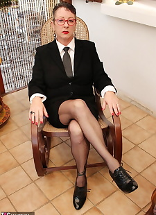 sex images Mature Headmistress Mary Bitch fingers, big tits , stockings